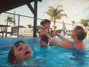drowning kid in the pool
